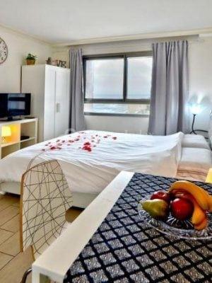 חדרים לפי שעה בחיפה | סוויטות בלו ביץ | Blue Beach – צימרים לפי שעה בחיפה
